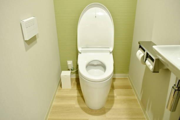 トイレの床と壁のリフォーム