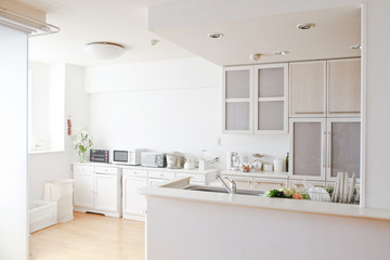 キッチンパネルを探す際のメーカーの選び方