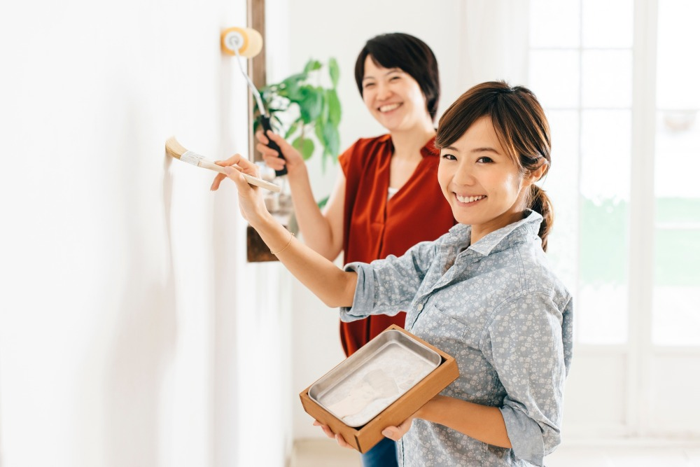 DIYで漆喰壁に!下地処理用シーラーって?DIYで失敗しない基礎知識