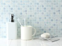 洗面所におすすめの壁材は?材質ごとのメリットとデメリットを解説