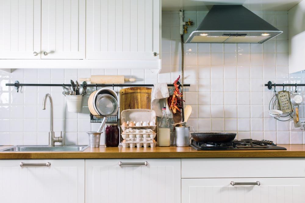 キッチンにおすすめの壁材は?材質ごとのメリットとデメリットを解説